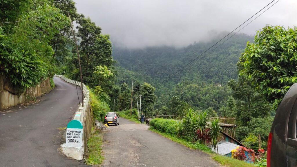 road to khambuhang